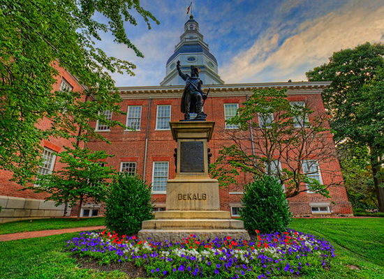 Annapolis town hall and DeKalb statue.